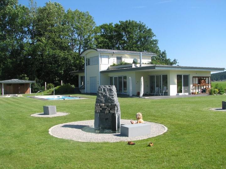Modernes Haus 30 km von Salzburg