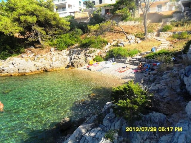 """Near Sea and beaches """"A"""",  (2+1 beds) - Jelsa - Daire"""
