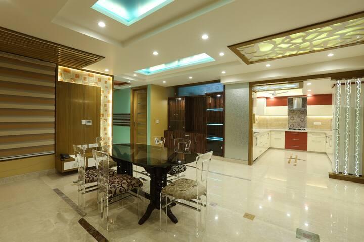 Raj Kapoor's Luxury Apt: Full Home - นิวเดลี - อพาร์ทเมนท์