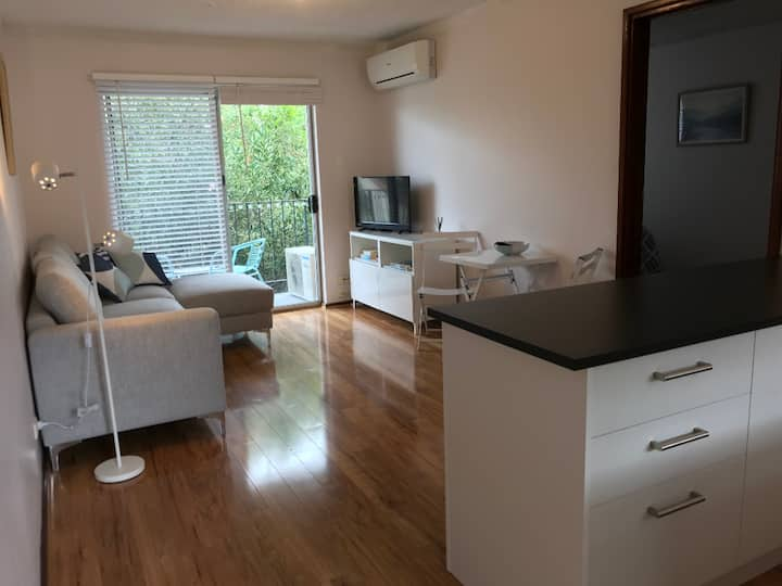 Neat North Perth Apartment - Free WIFI and Parking