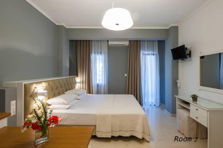 Hotel Oriana - Room 6 - Hill View