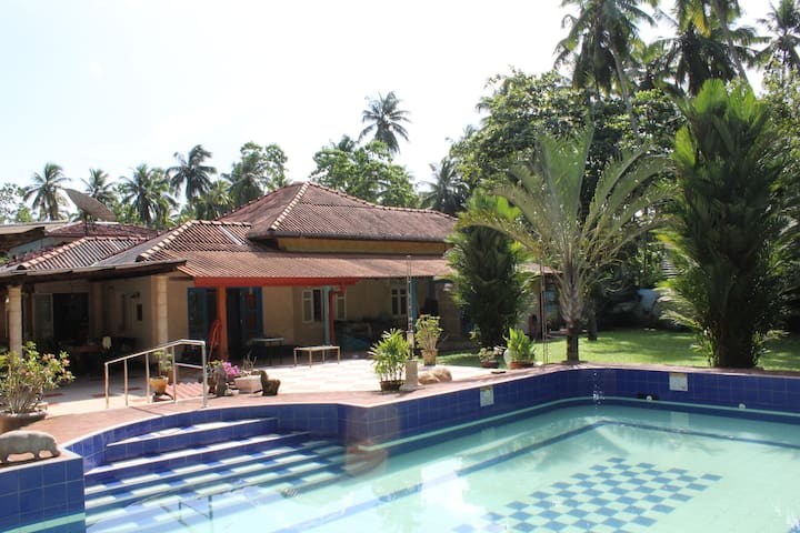 Villa Weiss - 5 minutes to beach - Aluthgama