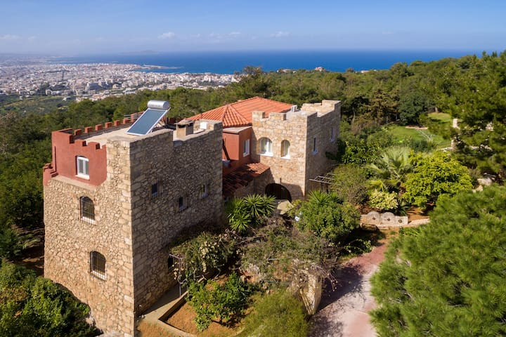Live Like the Kings at Kastro Estate Near the Sea