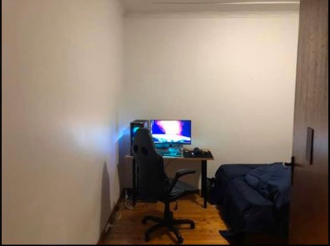 Short term room for rent