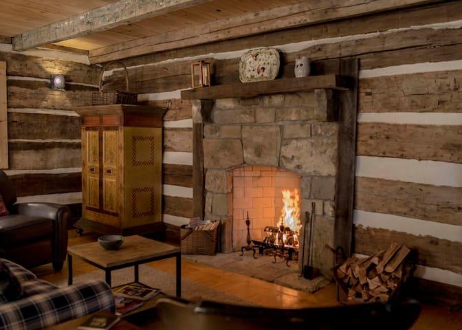 Cave Hill Log Cabin - Winchester - Cabana