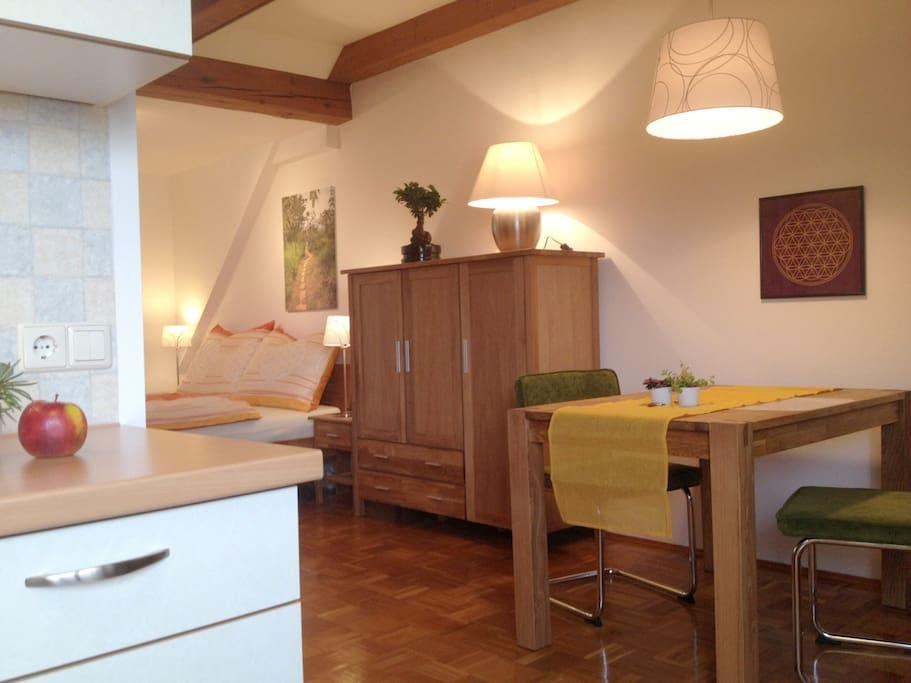 Ruhige Lage, ruhiges Haus, ruhige Zimmer - mit dem freundlichen Anliegen, dies möge auch so bleiben ;-)