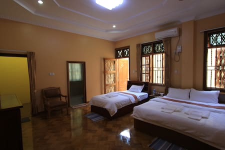 Family Room 2 in Bamboo Place - Yangon - Bed & Breakfast