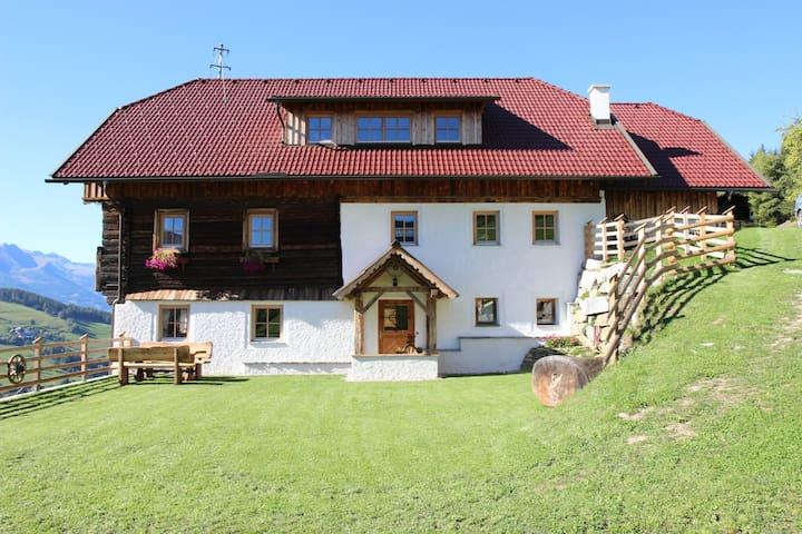 Lerchnerhof - 500 Jahre altes Luxus-Bergbauernhaus