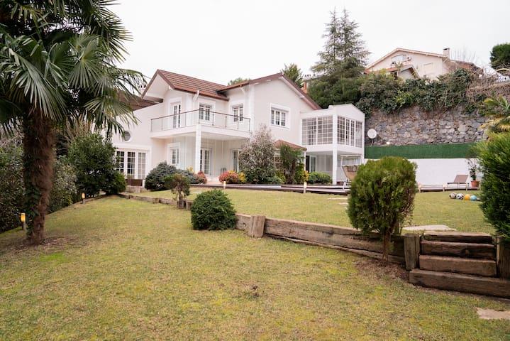 Özel Villa - Saklı bahçe - Zekeriyaköy