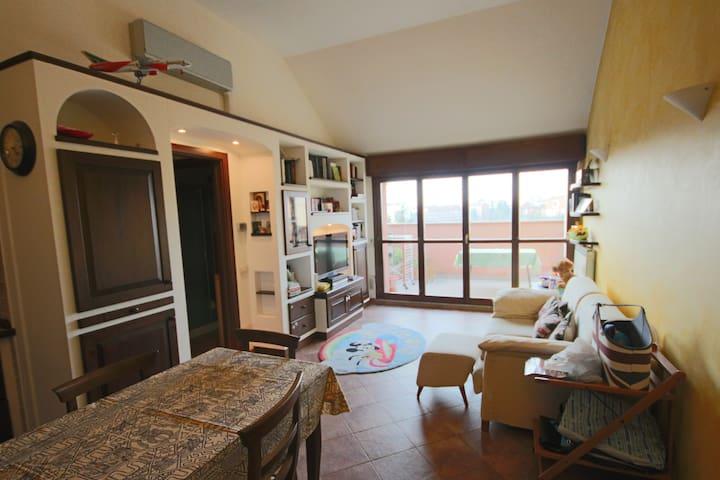 Deliziosa Mansarda, ideale per Expo - Magenta - Apartamento