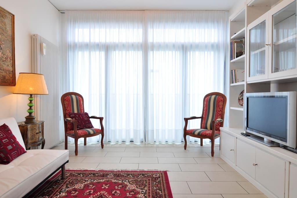 soggiorno vista laguna - living room lagoon view