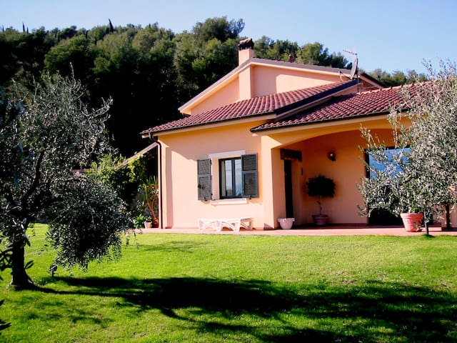 Bed and Breakfast LA FERRAIA !!! - Andora - Bed & Breakfast