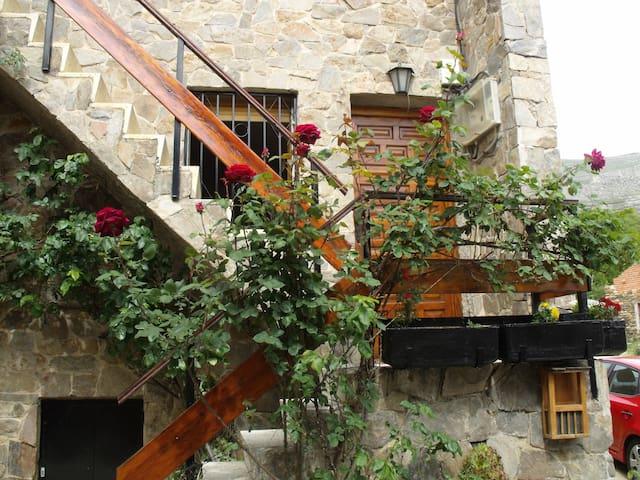 Casa en Valverde de los Arroyos - Valverde de los Arroyos - Talo
