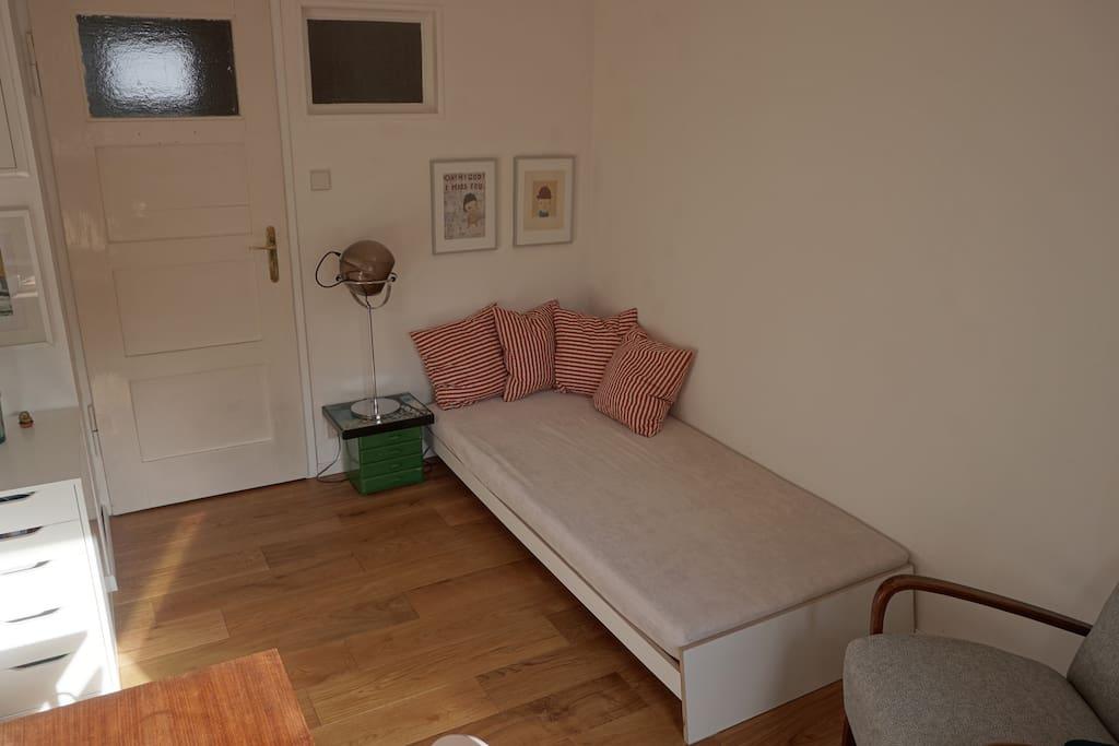 charming private room in stuttgart reihenh user zur miete in stuttgart baden w rttemberg. Black Bedroom Furniture Sets. Home Design Ideas