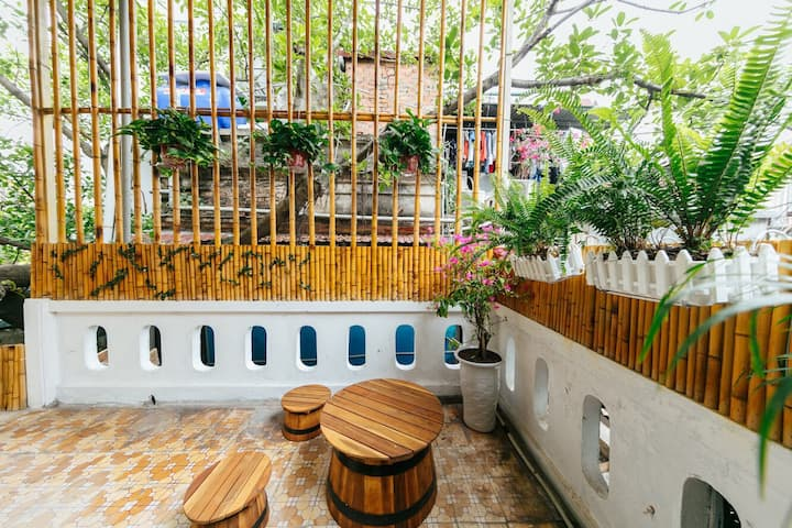 Garden House-2APTs, 3 BEDs for group, Old Quarter