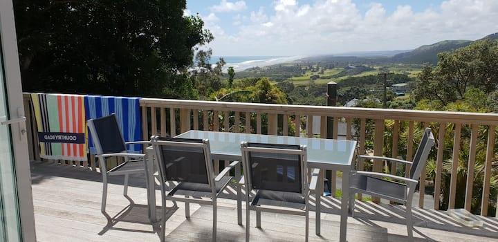 Muriwai Getaway with Views