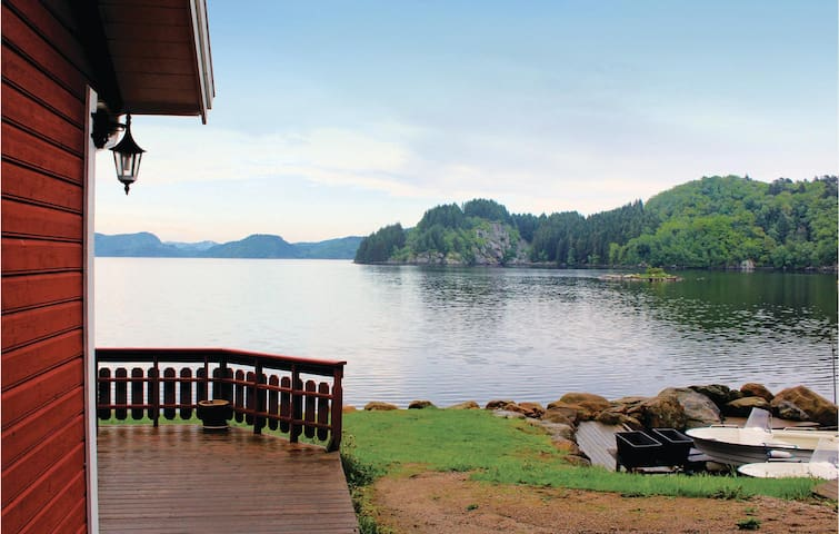 Holiday cottage with 5 bedrooms on 140m² in Farsund