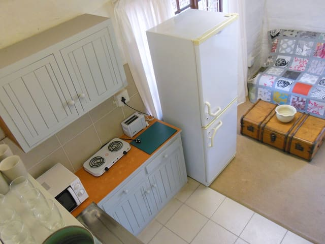Cosy,  flatlet on 57 Plover