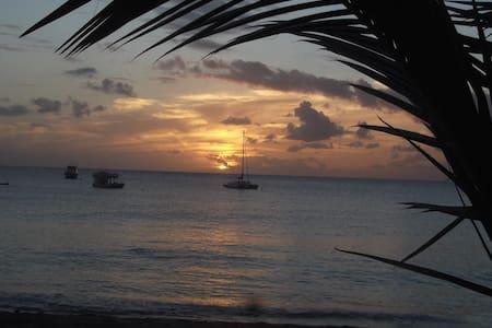 Günstige Ferienstudios auf Barbados - Oistins - Pensió