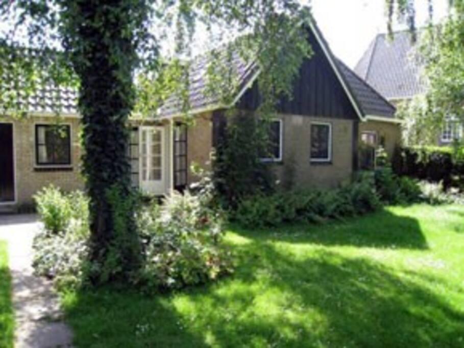 ferienwohnung in friesland ferienunterk nfte zur miete in oudega friesland niederlande. Black Bedroom Furniture Sets. Home Design Ideas