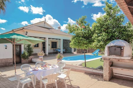 Holiday cottage with 3 bedrooms on 148m² in Casariche
