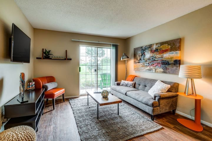 Relax in comfort | 2BR in Olathe