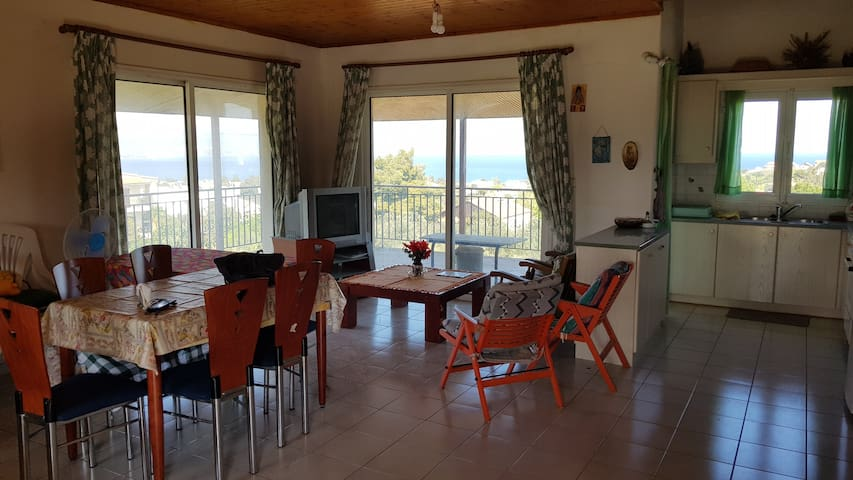 The sea view house of Xenia and Panos