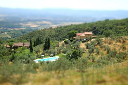 Apartments in farmhouse w pool, garden, view - Loro Ciuffenna