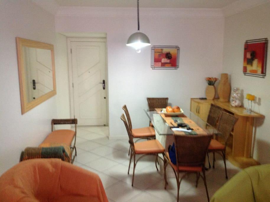 sala de jantar do apto