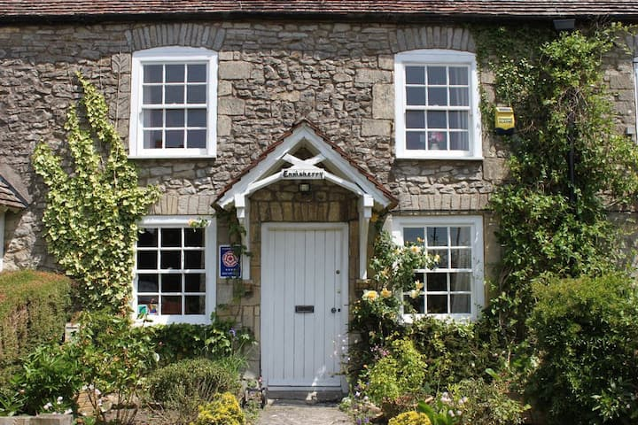 C18th stone, self catering cottage
