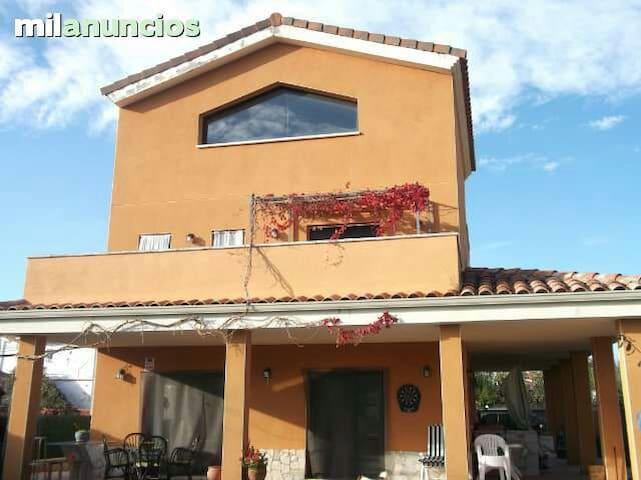 Cal Ignaci alquiler habitaciones - Abrera - Hus