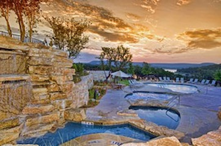 Breathtaking View Lake Travis Villa