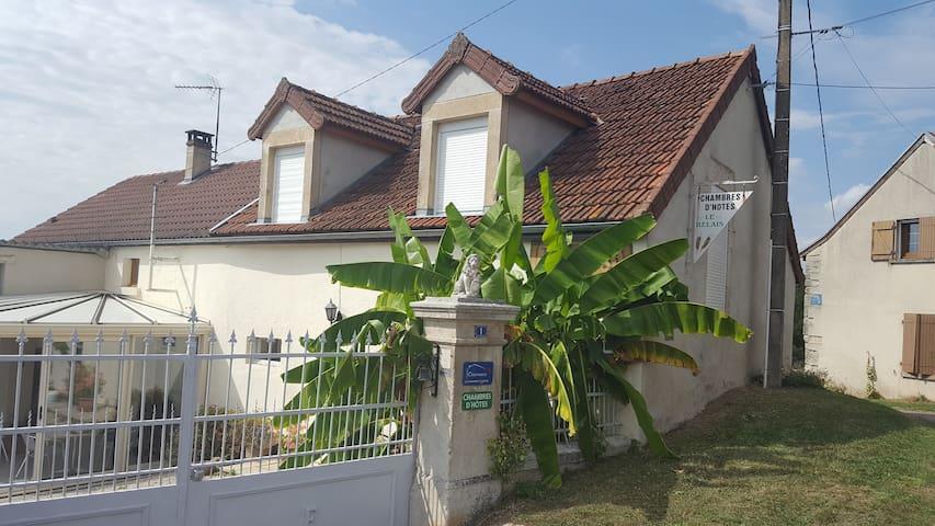 Le Relais de Morville - Fresnes - Gästehaus