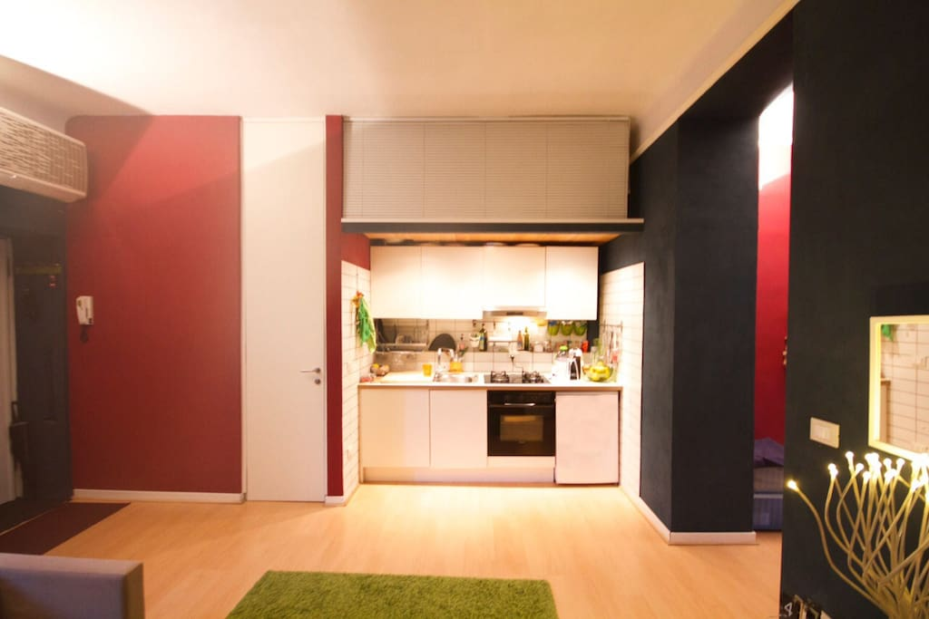 Kitchenette with oven and washing machine