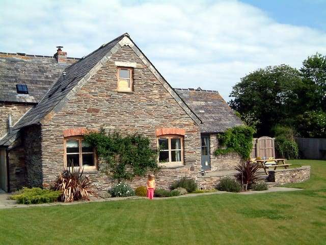 Stunning conversion outside Padstow - Saint Issey - Huis