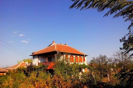 Guest house Sotirovi