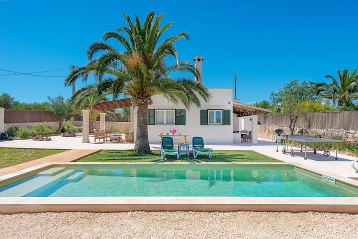 LAS ESTRELLAS - Villa with private pool in Cala Llombards (Santanyi). Free WiFi