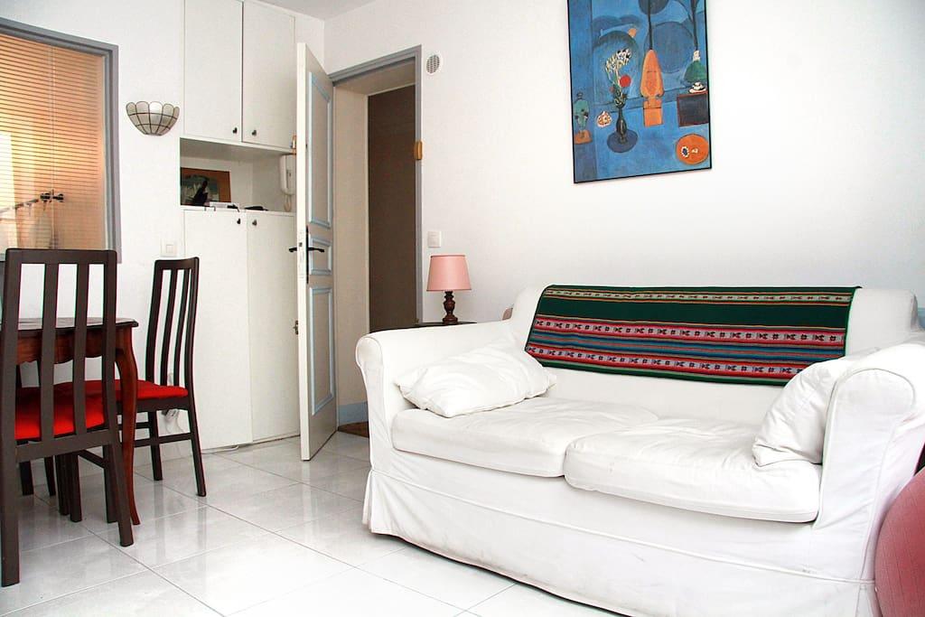 La campagne paris 2pi ces meubl appartements louer for Appartement a louer meuble paris