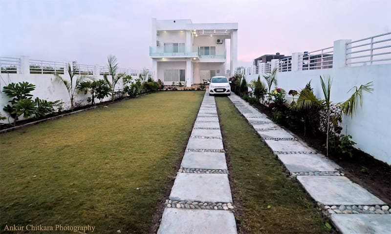 Riverside Villa; Impeccable View - Rishikesh - Vila
