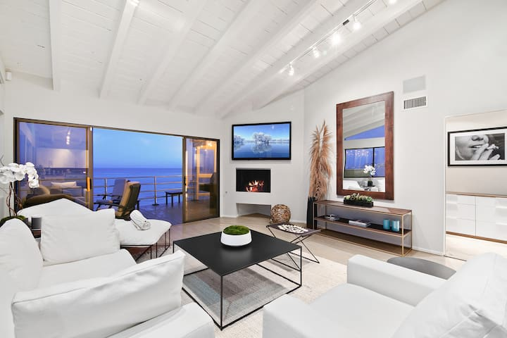 Malibu Road Beachfront Villa - Amazing views.