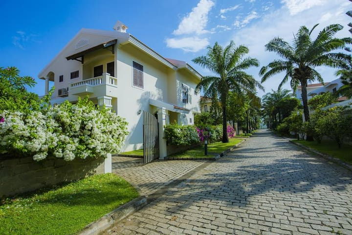 Villa 4 bedrooms near beach Muine, Phan Thiet