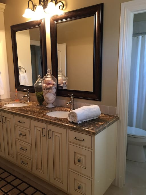 Double vanity and granite/marble surrounds