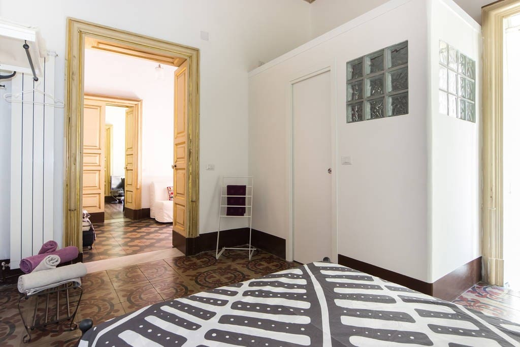 Family-Space: 2 rooms, 2 balconies & a Bathroom fully Privat!
