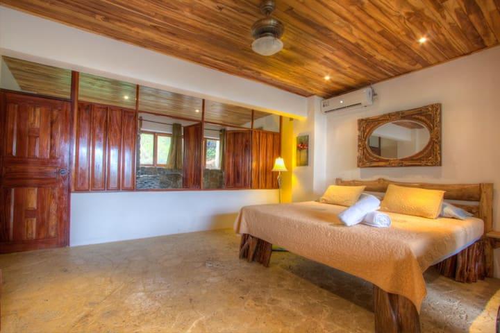 Castillo de Pavones - Flora Suite - Pavones - Bed & Breakfast