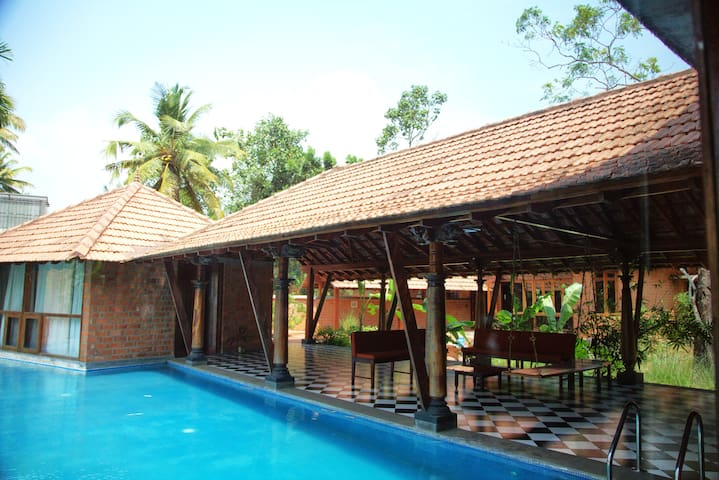 Private Room with Pool in a Villa on the Vembanad
