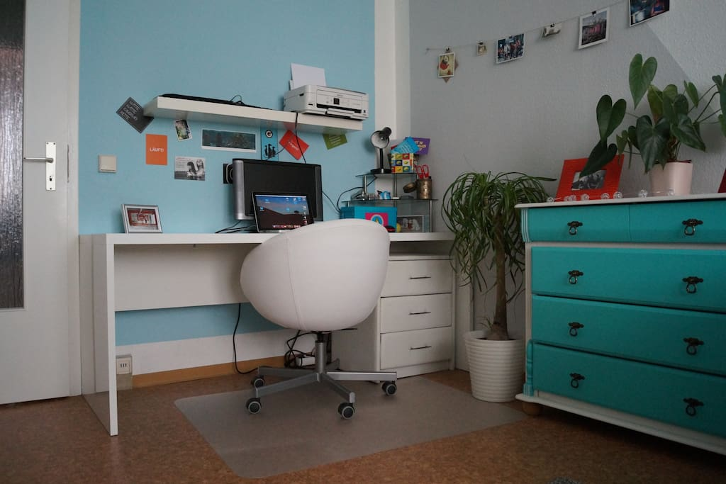 sch ne 2 raum wohnung in der n he vom zentrum wohnungen zur miete in berlin berlin deutschland. Black Bedroom Furniture Sets. Home Design Ideas