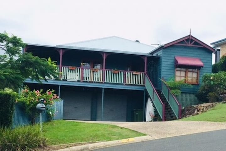 Self contained apartment in  Queenslander