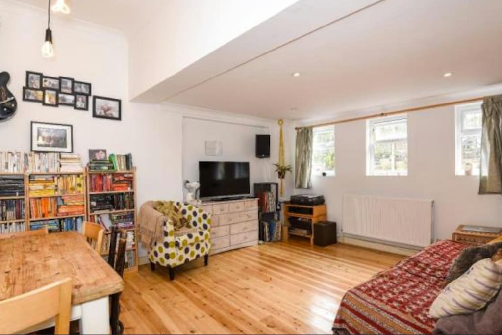 Lovely flat a short walk from lively camberwell appartements louer lond - Airbnb londres centre ...