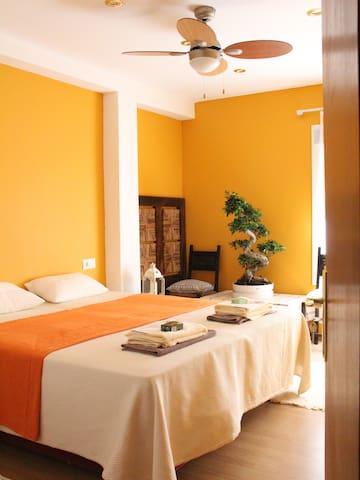 Malaga Lawrence room