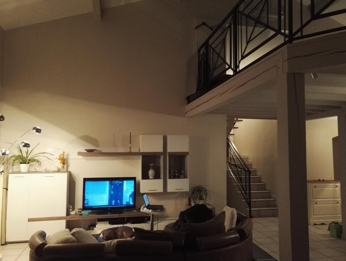 belle maison moderne good belle maison moderne architecte colombes decore surprenant belle de. Black Bedroom Furniture Sets. Home Design Ideas